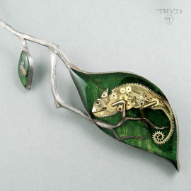 Chameleon necklace - sculpture of watch parts