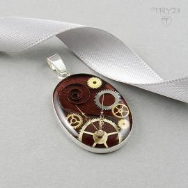 Bordowy wisiorek ze srebra i trybików zegarków