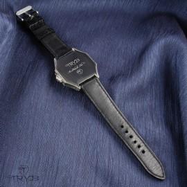 Ręcznie wykonany unikatowy zegarek z tytanową kopertą i grawerem. Nietypowy zegarek naręczny.