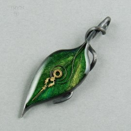 Spring Nature - leaf shaped pendant of silver