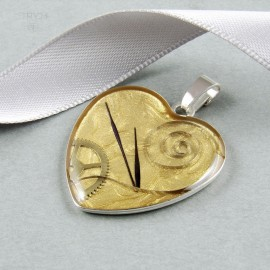 Golden-pearl heart pendant of sterling silver