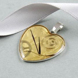Srebrny wisiorek serce z kompozycją części zegarków