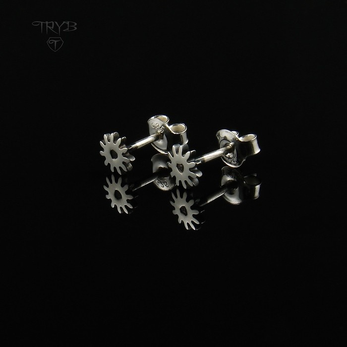 Gear Me Up - small sterling silver ear studs Cogs