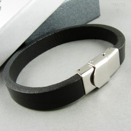 Men's bracelet from natural leather and steel