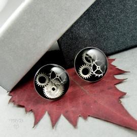Czarne kolczyki wkrętki ze srebra z trybikami zegarków