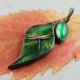 Srebrny wisiorek liść z ważką i onyksem