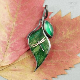 Dragonfly on the leaf - sterling silver pendant with onyx