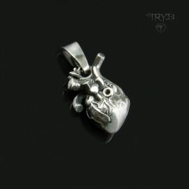 Srebrny wisiorek ludzkie serce