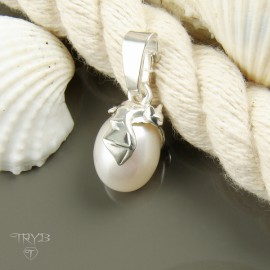 Sterling silver bat pendant with white oval pearl
