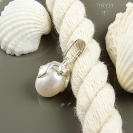 Cute little bat - Sterling silver pendant with white pearl