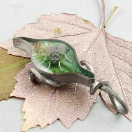 Housefly on tle leaf pendant in silver