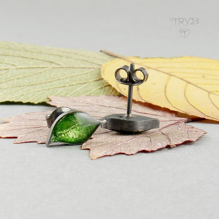 Tiny green leaves studs in oxidised silver