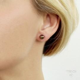 Earrings with brown pearls