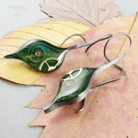 Green leaves long earrings in oxidised silver