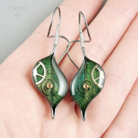 Green leaves long earrings in oxidised silver