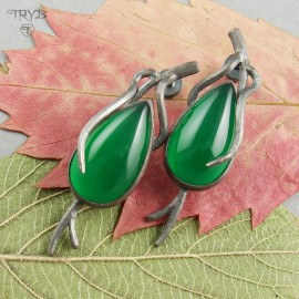 Long earrings with green onyxes