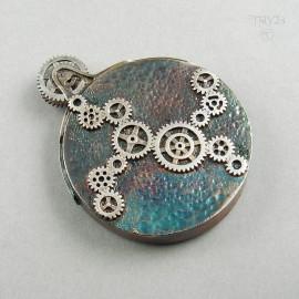 Ręcznie robiony wisior srebrny z łosiem z części zegarków mechanicznych - srebro oksydowane