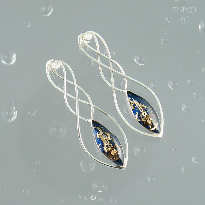 Double stars - long earrings of silver