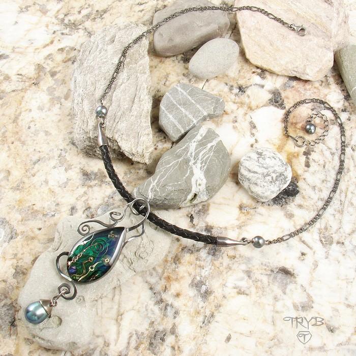 Srebrny naszyjnik z perłami