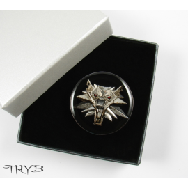 The Witcher jewelry - male pin with a white wolf