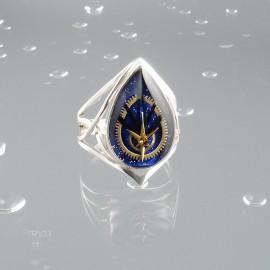Niebieski pierścionek kropla
