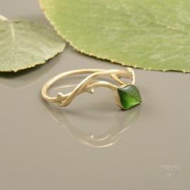 Pierścionek gałązka z listkiem ze złota