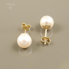 14K gold earrings with white pearls