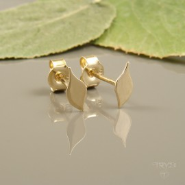 Minimalist leaves stud earrings