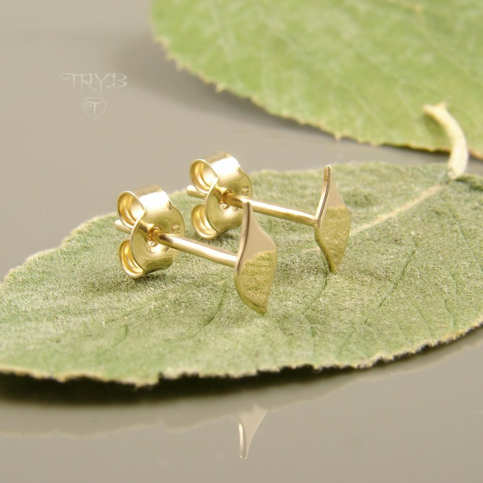 Small leaves stud earrings of 14K gold