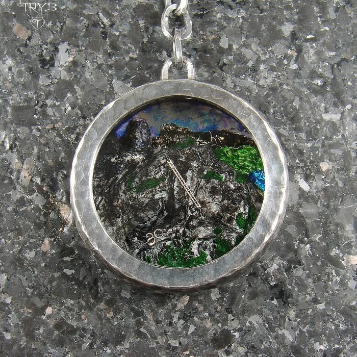 Custom made keychain with mountains