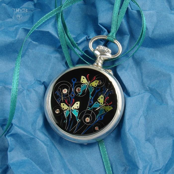 Butterflies pendant of watch movements