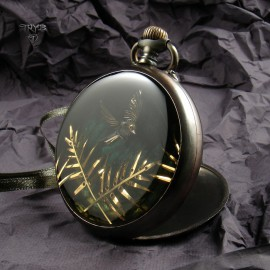 Art jewelry of old watch movements