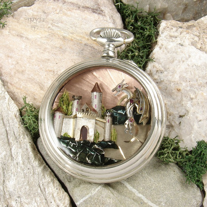 Fairy-tale pendant with castle and a dragon