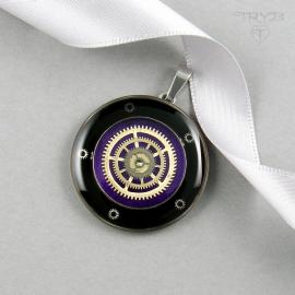 Fioletowa zawieszka steampunk z trybami zegarków.