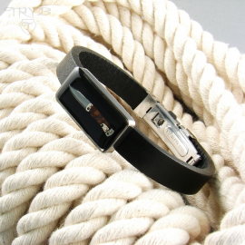 Men's bracelet with a folding knife