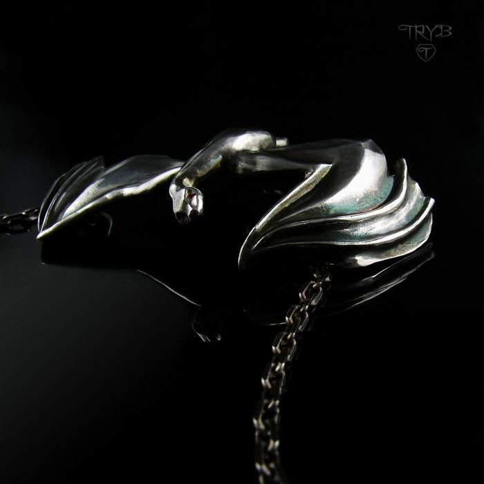 Silver reptile