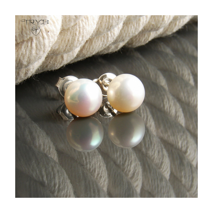 Srebrne kolczyki z perłą białą
