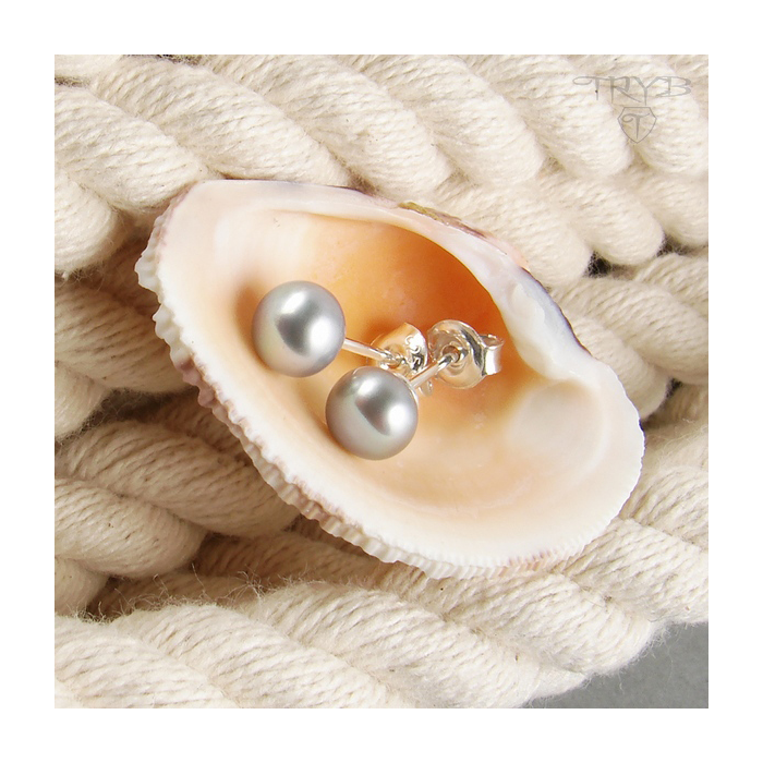 Silver stud earrings with grey pearls