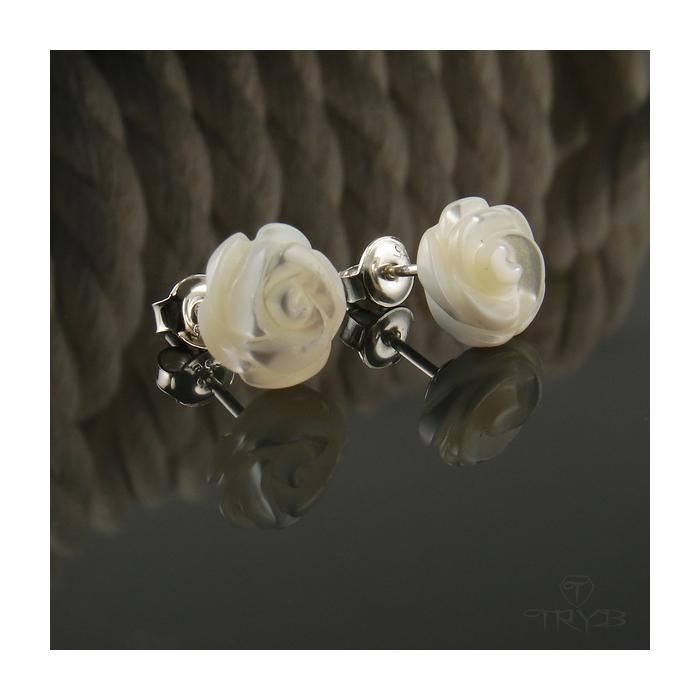 Srebrne kolczyki róże z masy perłowej