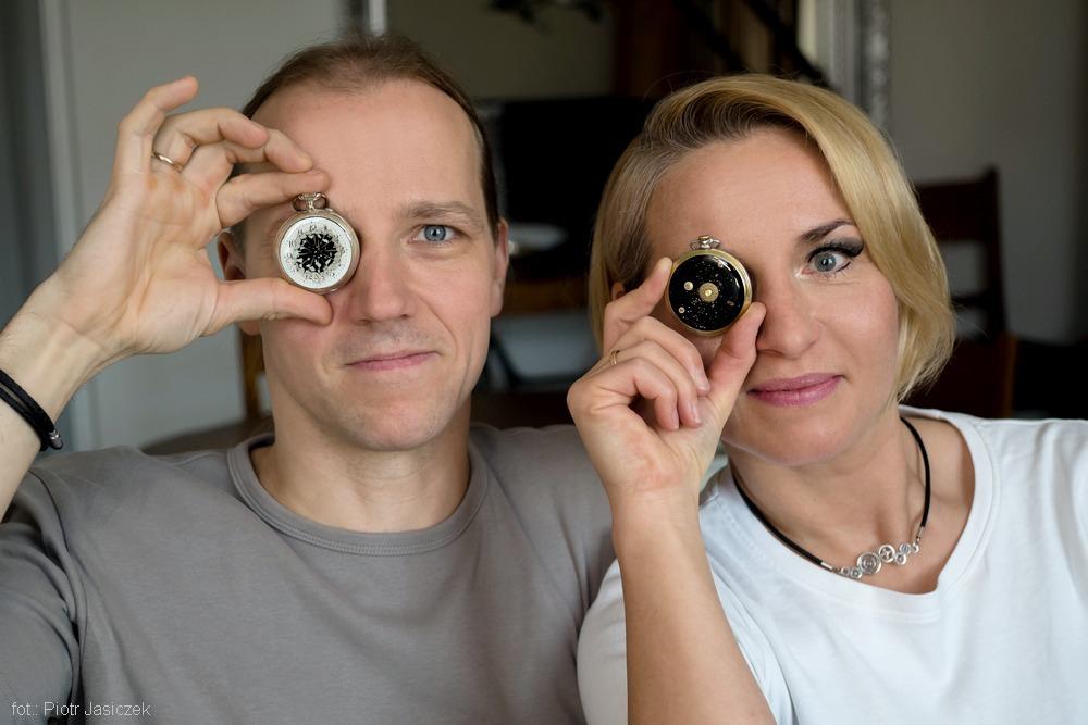 Anna i Witold Chudzik TRYB - artyści złotnicy tworzący biżuterię autorską z mechanizmów zegarków