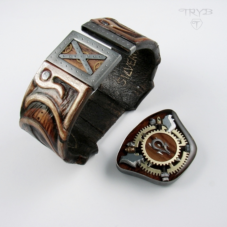 Custom made magnetic clasp to the men's bracelet